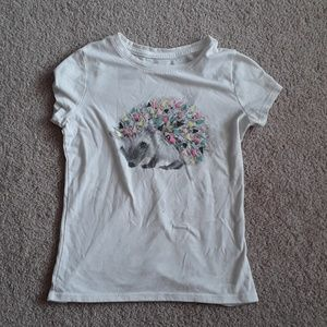 Hedgehog girls tshirt size small